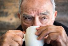Drinken van koffie kan Alzheimer voorkomen